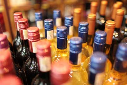 Diputados cambian de opinión sobre regulación de alcohol en los minisúper