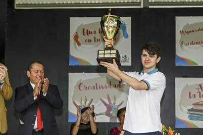 Joven tico ganó olimpiada internacional de lectura