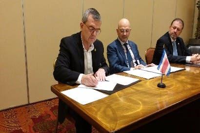 Gobierno firma acuerdo internacional de uso sostenible de biodiversidad marina