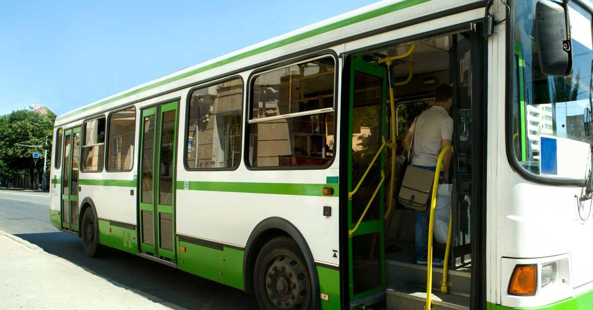 Solo 295 de más de 3 mil busetas han renovado permiso de transporte estudiantil
