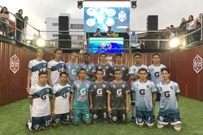 Futbolistas ticos participarán en torneo sobre el mar