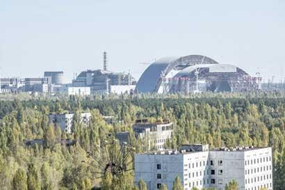 Chernóbil adopta energía solar con proyectos en zona nuclear