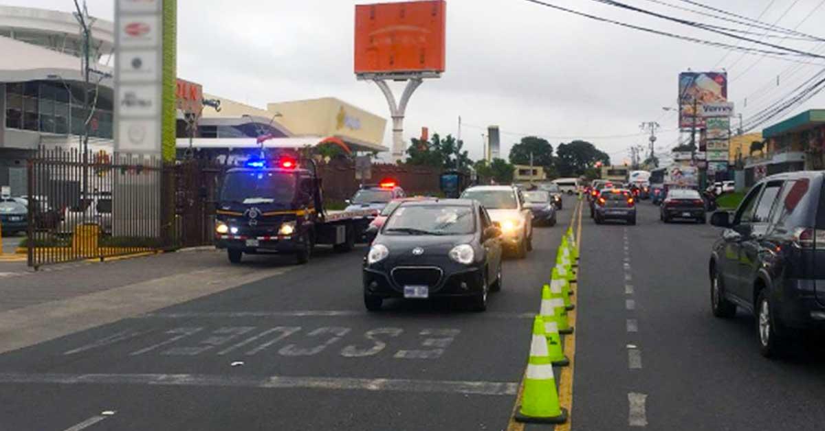 Conductores acumularon 257 multas por mal estacionamiento el fin de semana