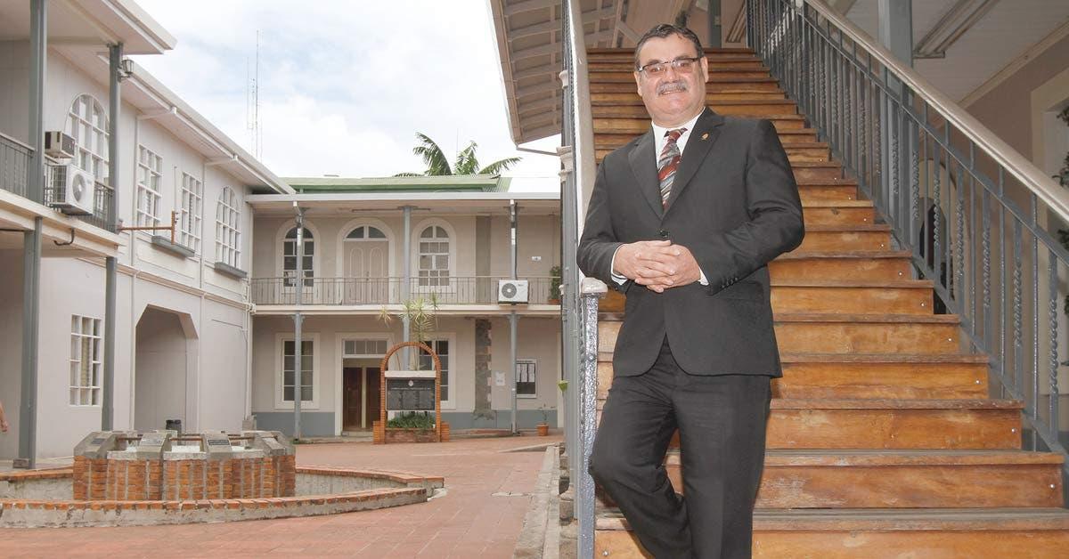 Presidente Solís sufrió duro golpe del multipartidismo