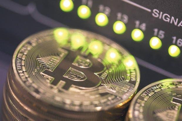 Bitcóin supera los $10 mil y crece alerta de posible burbuja