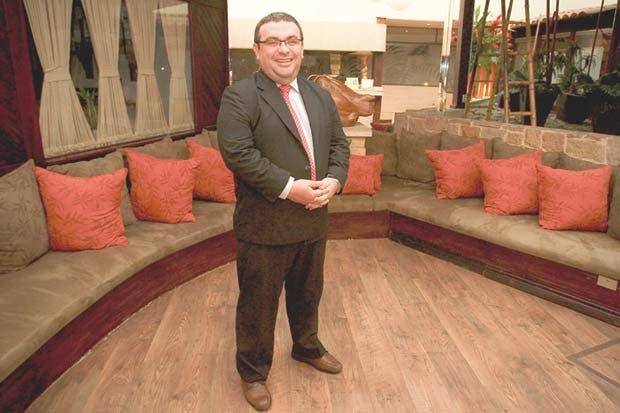 Gobierno mantiene a Fernando Rodríguez como mediador en plan fiscal