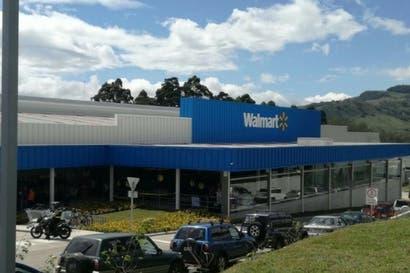 Walmart realizó en Cartago su última apertura del año