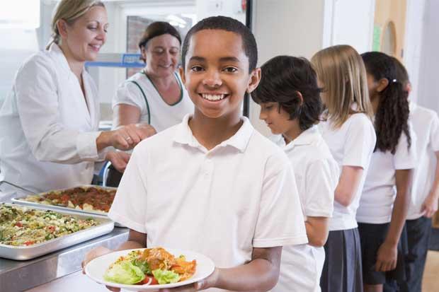 MEP cambiará menús y horas de comida en las escuelas