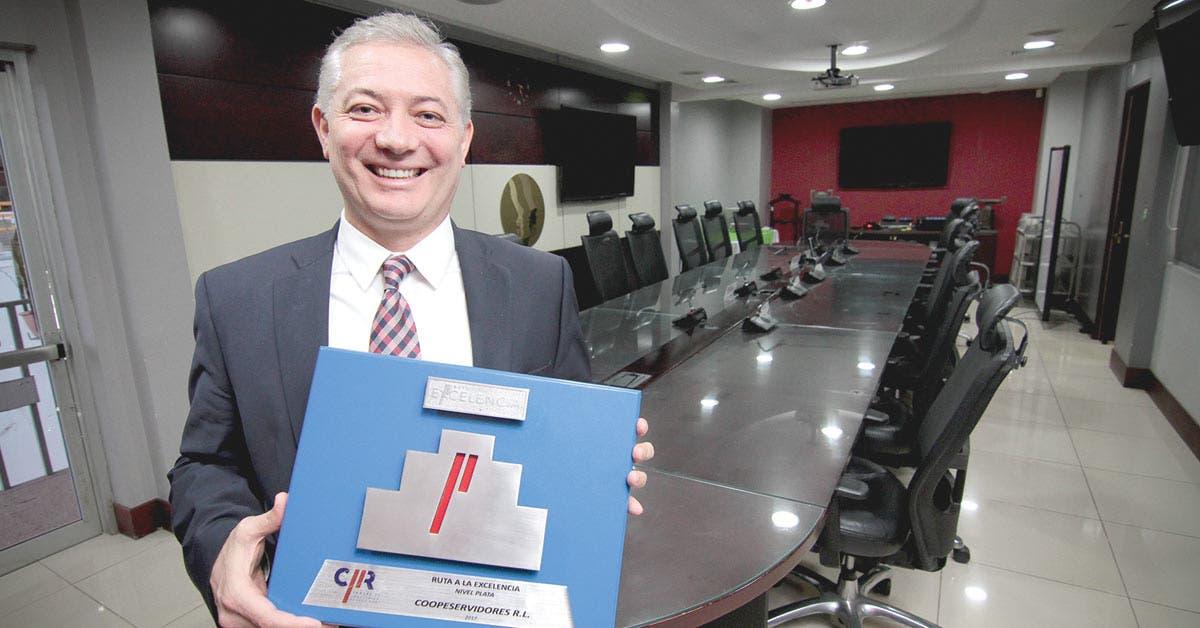 Coopeservidores fue premiado por la Cámara de Industrias