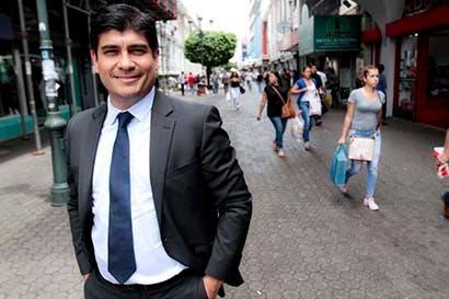 """Carlos Alvarado: """"Solo con educación podemos disminuir los embarazos adolescentes"""""""