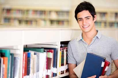 Universidad Latina regalará cinco becas completas