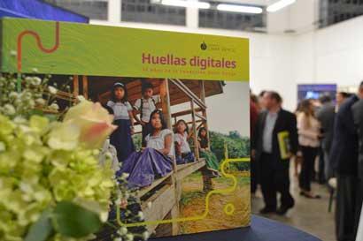 Libro relata los 30 años de la Fundación Omar Dengo