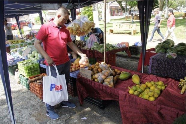 Habitantes de la Zona Sur piden mejores carreteras a Rodolfo Piza