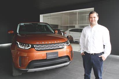 Land Rover Discovery ofrece estacionamiento semiautónomo de remolque
