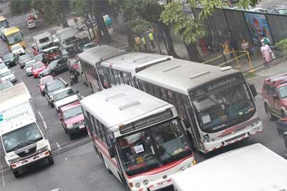Los siguientes servicios de bus cambiarán sus paradas por Festival de Luz