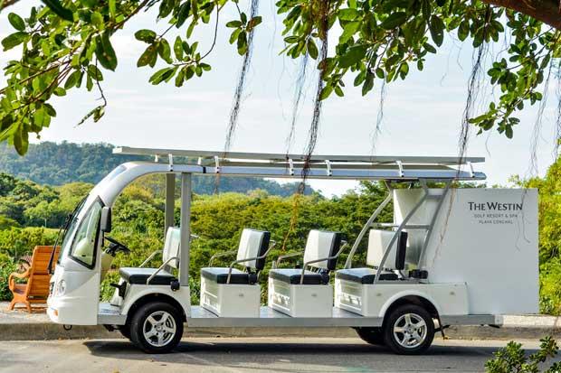 Westin Playa Conchal incorporó vehículos eléctricos y con paneles solares