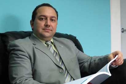 Leonardo Salas asume viceministerio de Hacienda