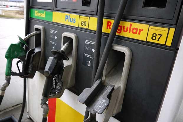 Mercado negro introduce al país diez cisternas de combustible al día