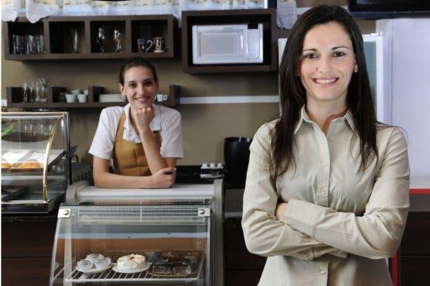 Programa ayudó a que 119 mujeres formalizaran su negocio
