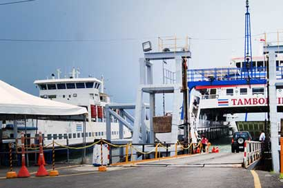 Ferry de Puntarenas volverá a horario regular mañana