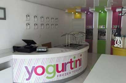 Yogurtini incorporó estación de helados para mascotas en su nueva apertura
