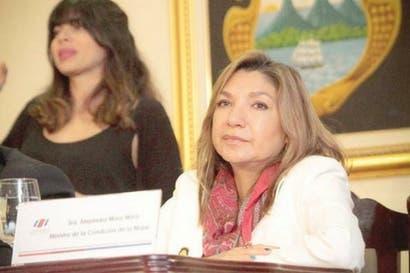 Nóminas para próximas elecciones no respetan paridad de género