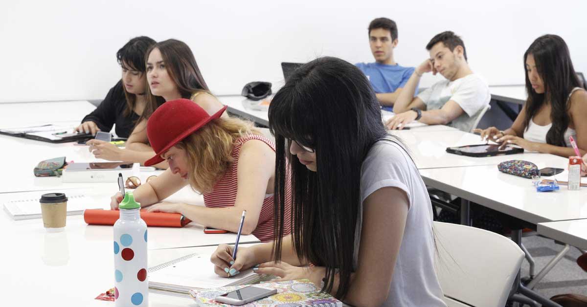 Lead University ofrece becas de hasta 70% para estudiantes de bajos recursos