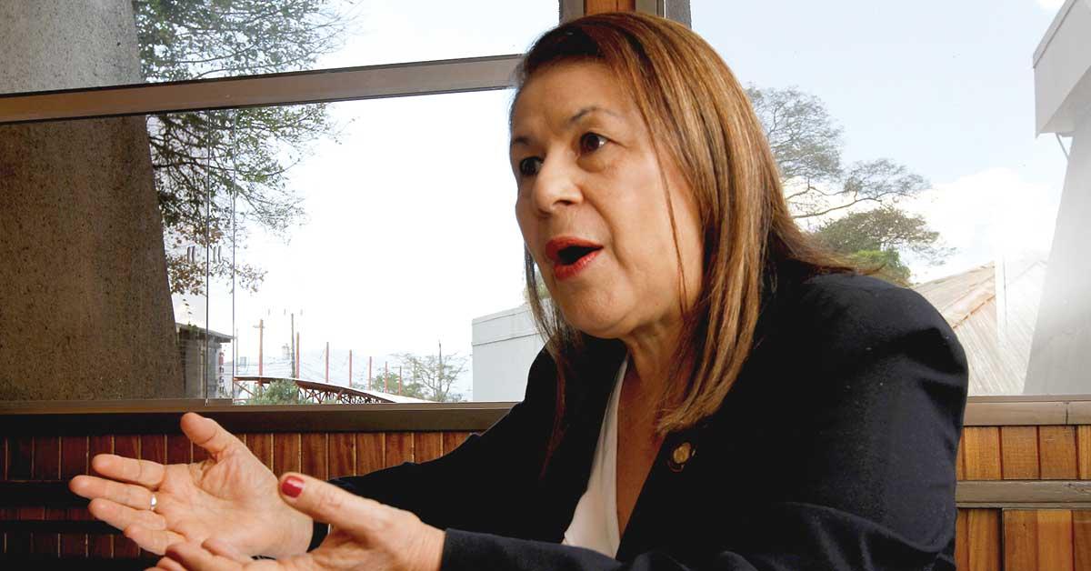"""Ministra de Educación: """"Callar sobre afectividad y sexualidad no es una manera de proteger la inocencia"""""""