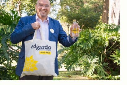 Edgardo Araya lanza productos ecologistas para campaña electoral