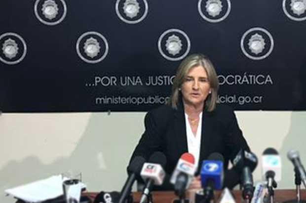 Diputados habrían intervenido en la CNE por tres contratos para Bolaños