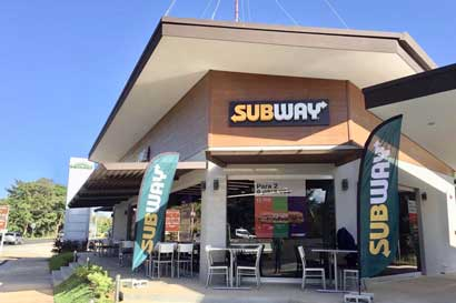 Subway inaugura su local 14 fuera de la GAM