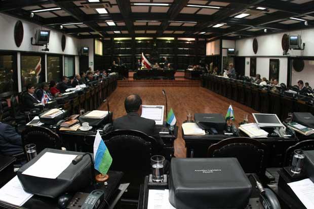 Presidencia dice que no dio vacaciones a diputados