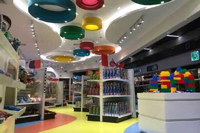 Aeropuerto Juan Santamaría amplía oferta comercial con tres tiendas más