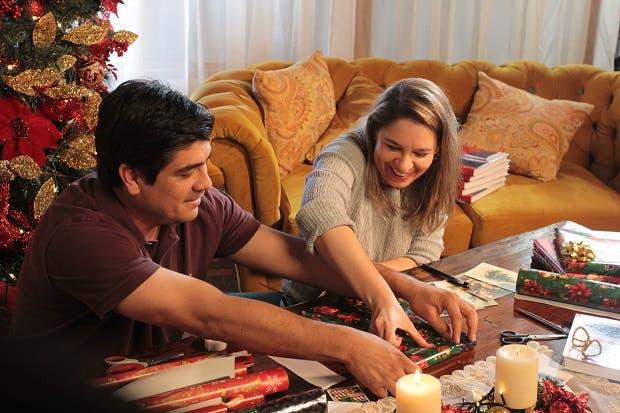 """Carlos Alvarado """"regala"""" plan de gobierno a otros candidatos"""