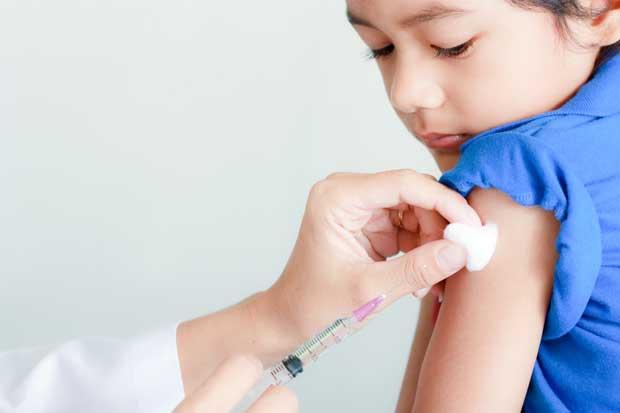 Autoridades de salud promueven vacunarse contra la influenza en esta época
