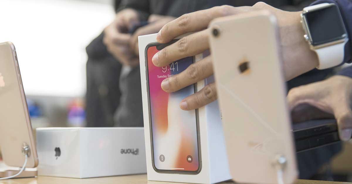 Analistas rebajan previsiones del IPhone X por débil demanda