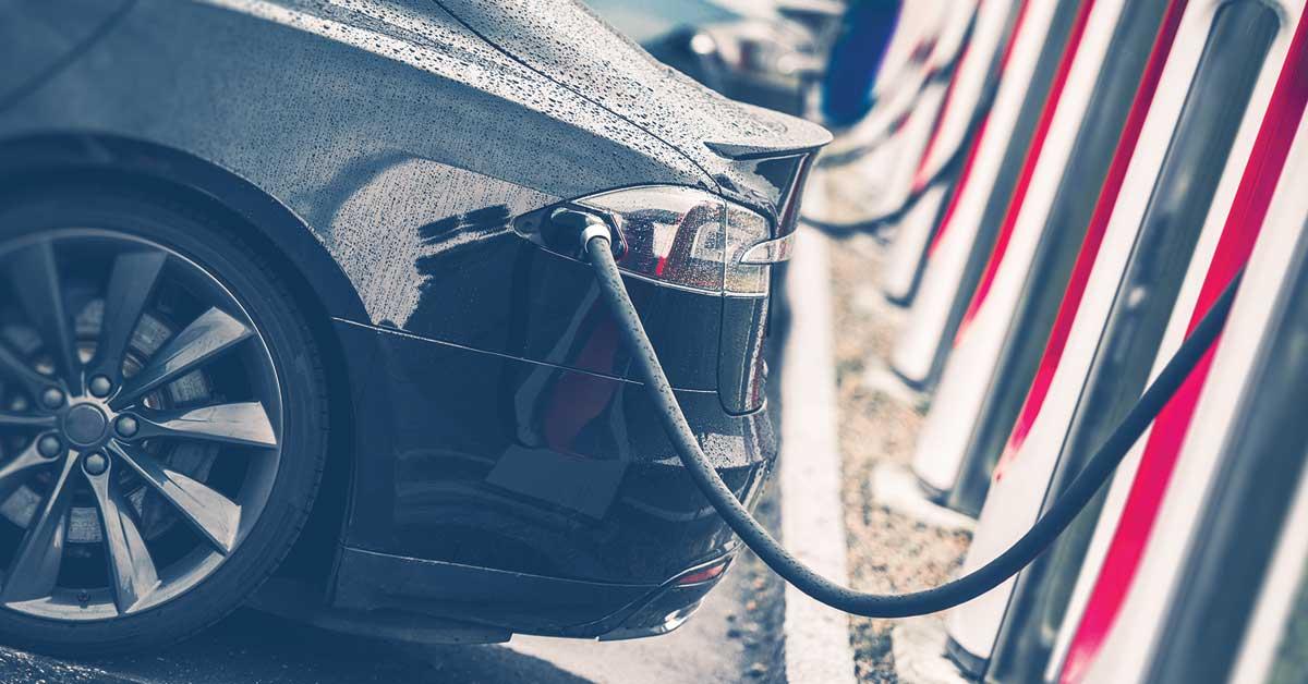 Bajar costo de energía con más apertura divide a candidatos