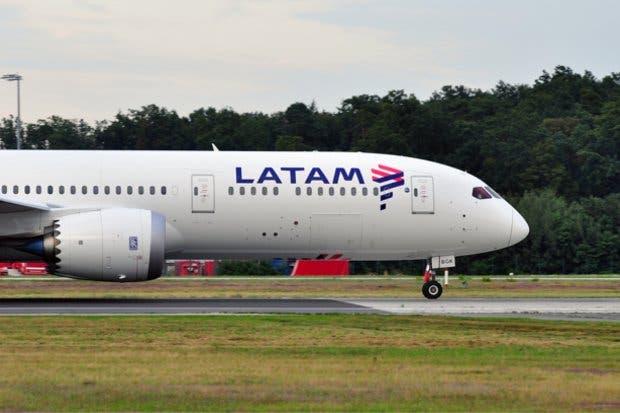 Primer vuelo de Latam Airlines llegará al país este martes