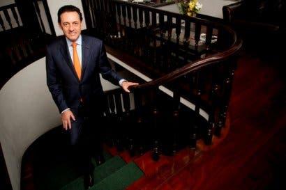 Álvarez Desanti reduciría el déficit fiscal a la mitad en cinco pasos