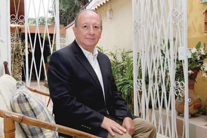 """TSE """"previene a Hernández por ausencia de estados financieros"""