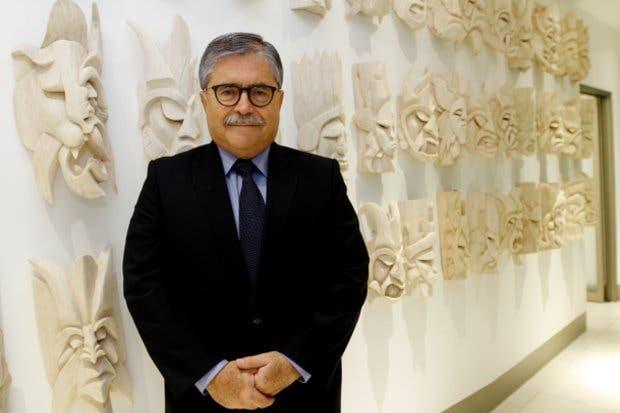 Juan Diego Castro cuestiona equipo económico de Álvarez