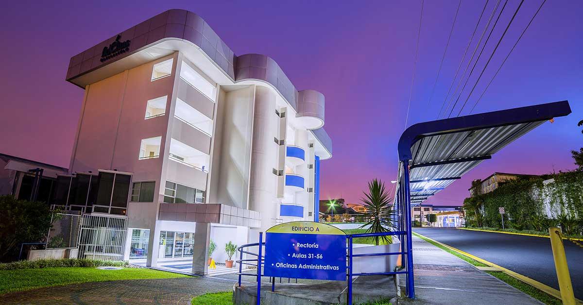 Universidad Fidélitas impartirá Economía