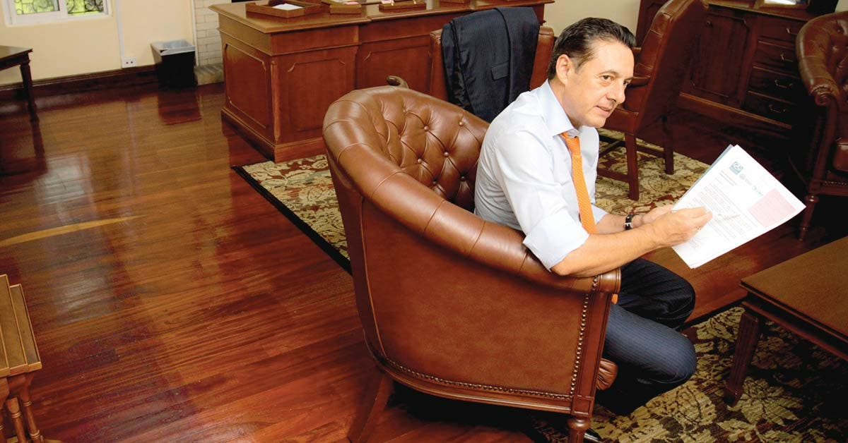 Candidatos prometen reestructurar el MOPT
