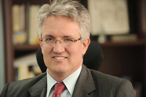 Tomás Soley continuará como superintendente de Seguros