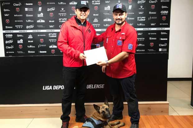 La Liga y Federación Canina firmaron acuerdo por el bienestar animal