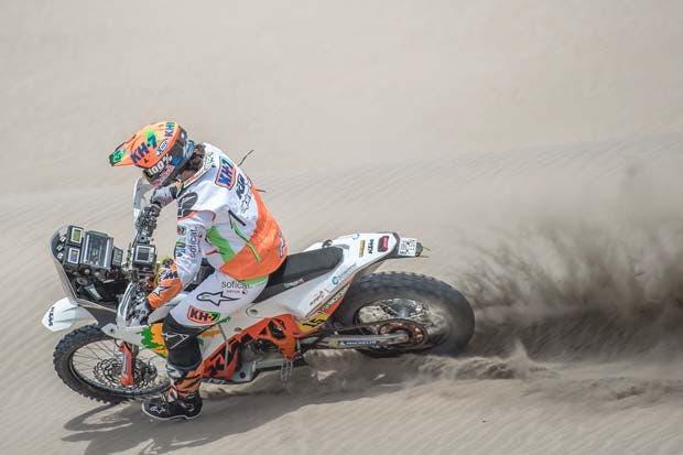 Mujer piloto brilla en un Rally Dakar plagado de testosterona