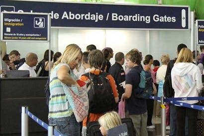 Hoteleros preocupados por fallas en sistemas de Migración