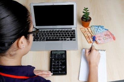 Hacienda lanza software  gratuito para facturación electrónica