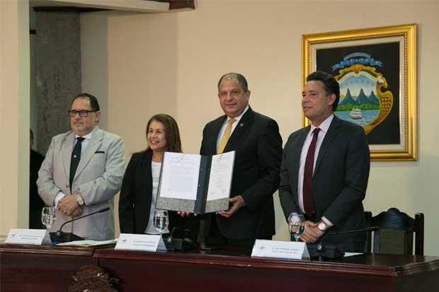 Gobierno reconocerá labor de docentes en derechos humanos