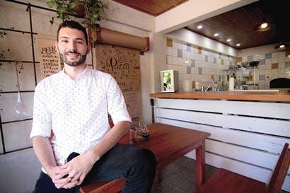 Cambió el diseño publicitario por una vida de chef